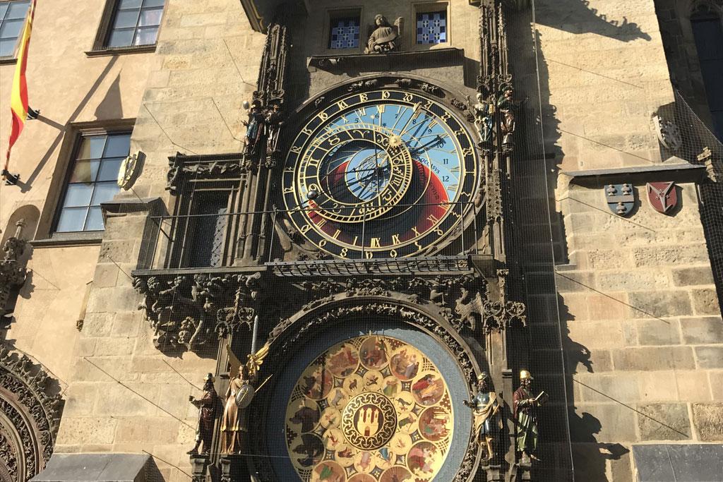 horloge astronomique prague tourisme