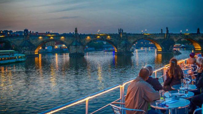 dîner croisière musique à Prague